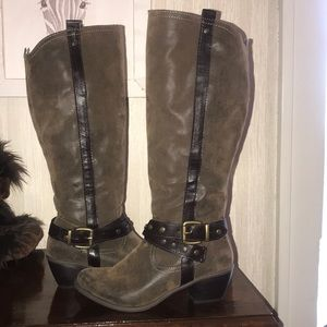NEW nicole brown suede boots with leather straps👢